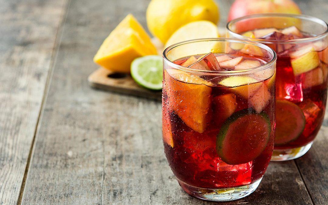 Top bebidas refrescantes para combatir San Lorenzo, el día más caluroso del año.